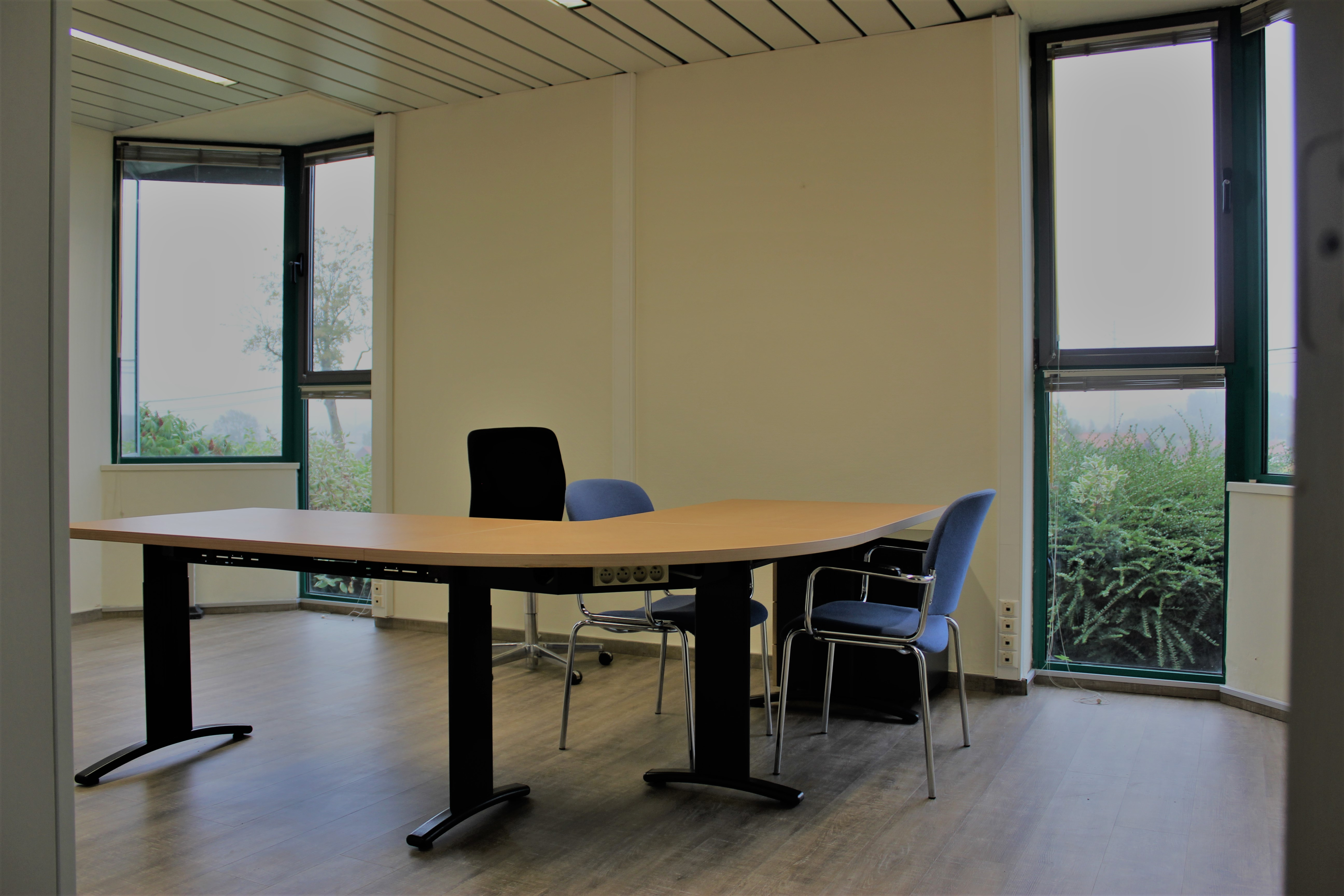 Location bureaux salles et espace de coworking à enghien esapce